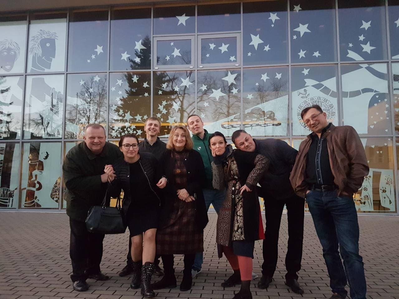Teatras-po-pasirodymo-regioniniuose-Atspindiuose-Kelmje.jpg